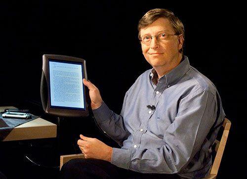 in-november-2000-bill-gates-showed-off-a-prototype-tablet-pc-running-a-modified-version-of-windows-unfortunately-microsoft-was-a-bit-ahead-of-its-time--tablets-didnt-really-take-off-for-another-ten-years-when-apple-released-the-ipad