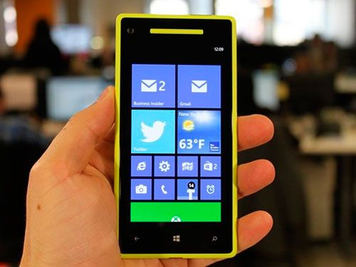 that-same-month-microsoft-released-windows-phone-8-while-its-interface-looked-the-same-under-the-hood-it-was-powered-by-the-same-kernel-as-windows-8-it-also-finally-gained-the-ability-to-use-screens-with-resolutions-of-720p-and-up