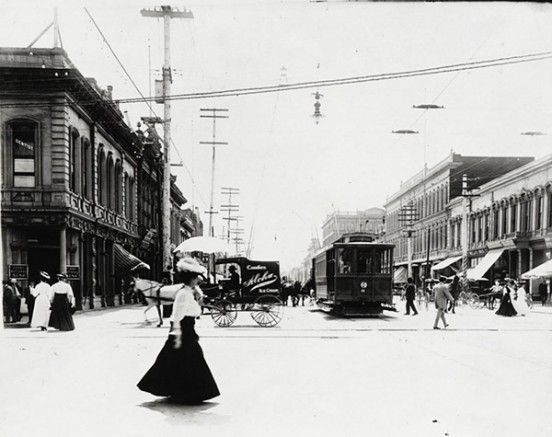 wealthy-families-who-had-moved-to-the-west-coast-with-the-gold-rush-and-the-construction-of-the-railroad-system-were-some-of-the-earliest-settlers-in-the-santa-clara-valley